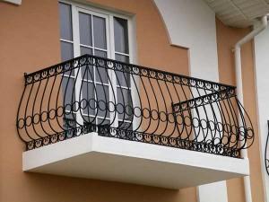 Строительство балкона для загородного дома