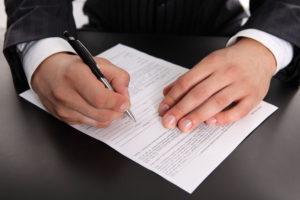 Как обезопасить себя при заключении сделки с подрядчиком